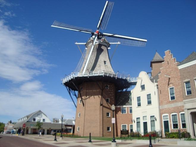 working Dutch wind mill in USA